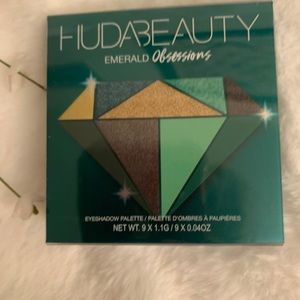 HUDA Beauty ✨NEW✨Emerald Obsessions